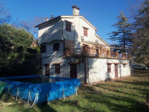 Villa in vendita a Morlupo, Con giardino, 220 mq