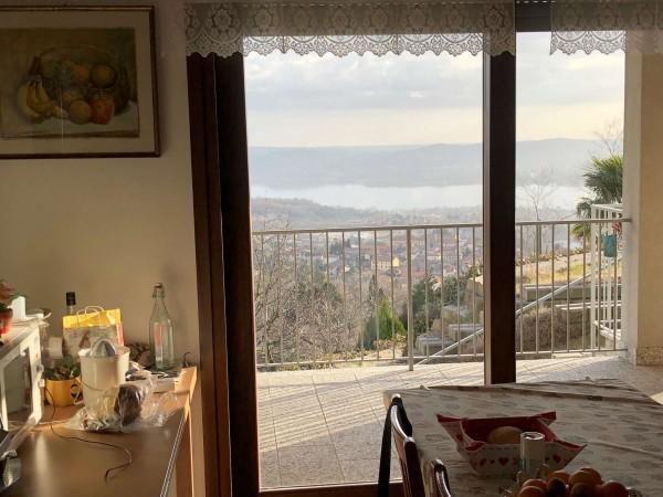 Villa in vendita a Comerio, Con giardino, 220 mq