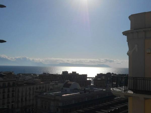 Appartamento in vendita a Napoli, 190 mq