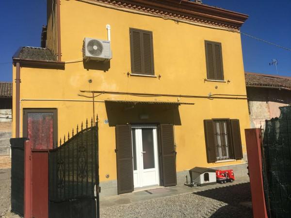 Casa indipendente in vendita a Alessandria, Con giardino, 75 mq