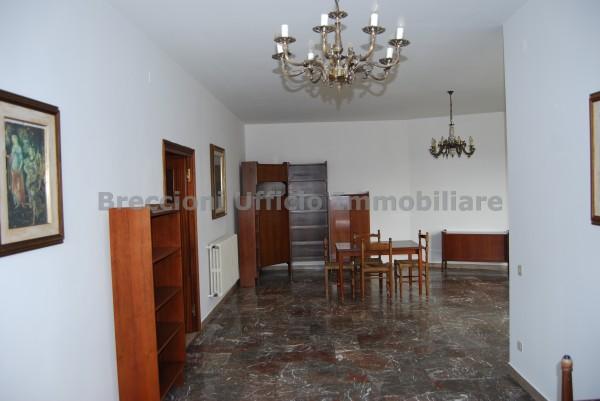Appartamento in affitto a Trevi, Matigge, 130 mq