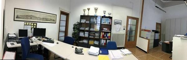 Ufficio in affitto a Chiavari, Centro, 105 mq