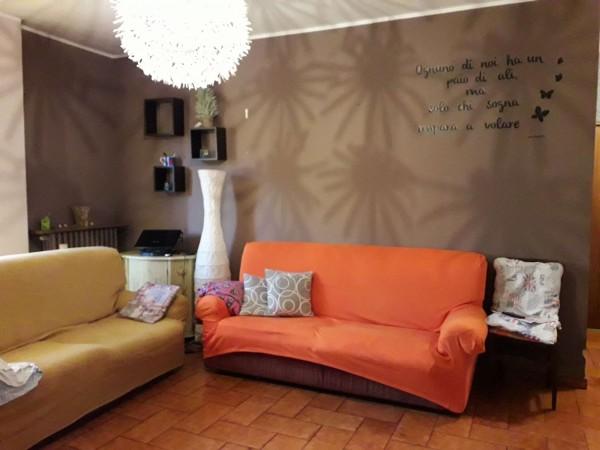 Appartamento in vendita a Vinovo, Centrale, Con giardino, 85 mq