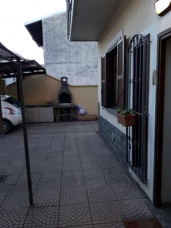 Casa indipendente in vendita a Caronno Pertusella, Arredato, con giardino, 105 mq