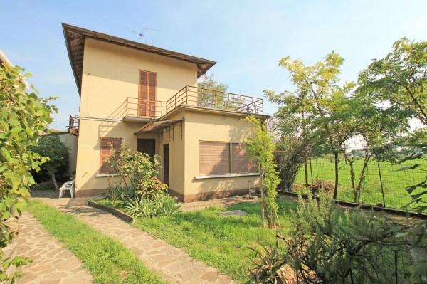 Villa in vendita a Treviglio, Stazione Centrale, Con giardino, 179 mq