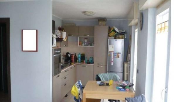 Appartamento in vendita a Varese, 88 mq