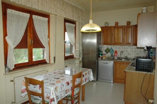 Appartamento in vendita a Perugia, Casenuove, 152 mq