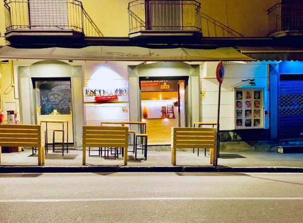 Locale Commerciale  in vendita a Sant'Anastasia, Centro, Arredato, 50 mq