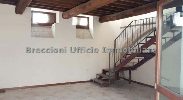 Appartamento in vendita a Foligno, Frazione, 70 mq