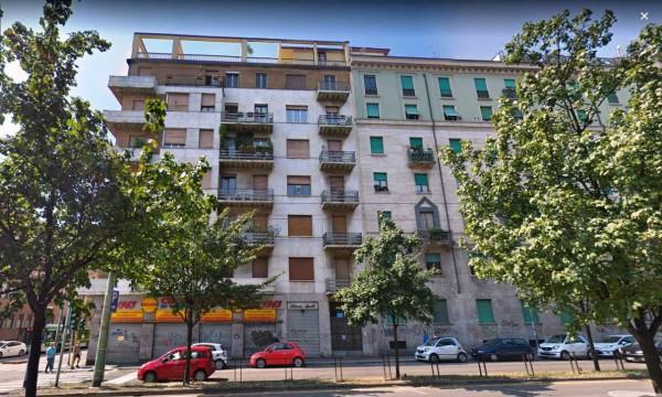 Appartamento in vendita a Milano, Centrale, 100 mq