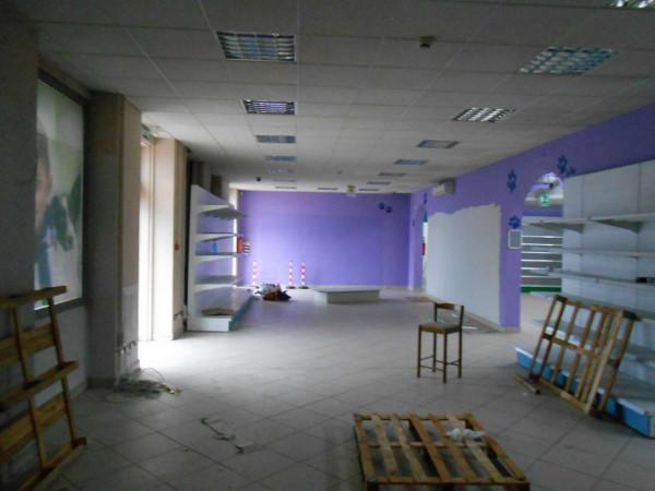 Locale Commerciale  in vendita a Peschiera Borromeo, 950 mq - Foto 28