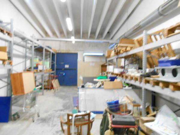 Locale Commerciale  in vendita a Peschiera Borromeo, 950 mq - Foto 12