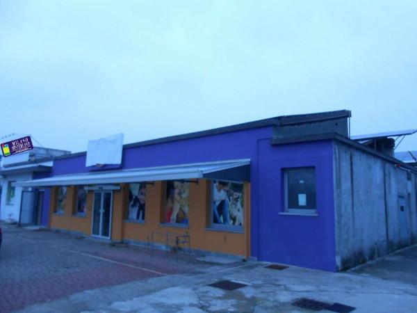 Locale Commerciale  in vendita a Peschiera Borromeo, 950 mq - Foto 4