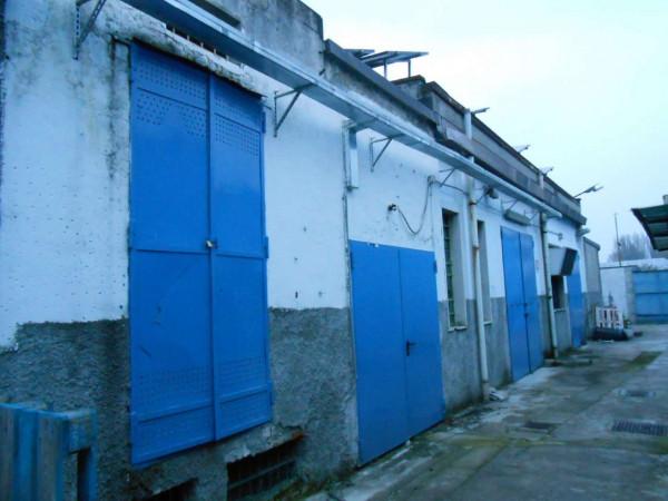 Locale Commerciale  in vendita a Peschiera Borromeo, 950 mq - Foto 32