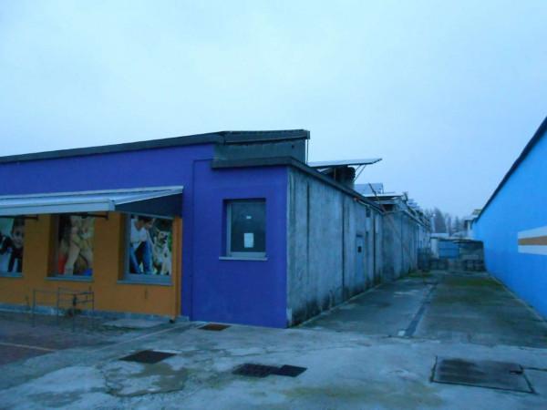 Locale Commerciale  in vendita a Peschiera Borromeo, 950 mq - Foto 51