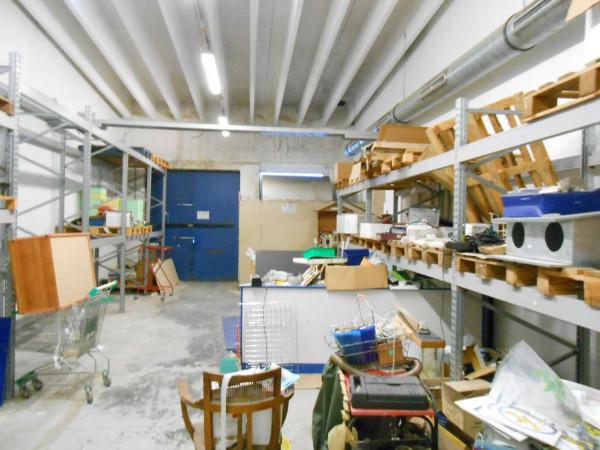 Locale Commerciale  in vendita a Peschiera Borromeo, 950 mq - Foto 11