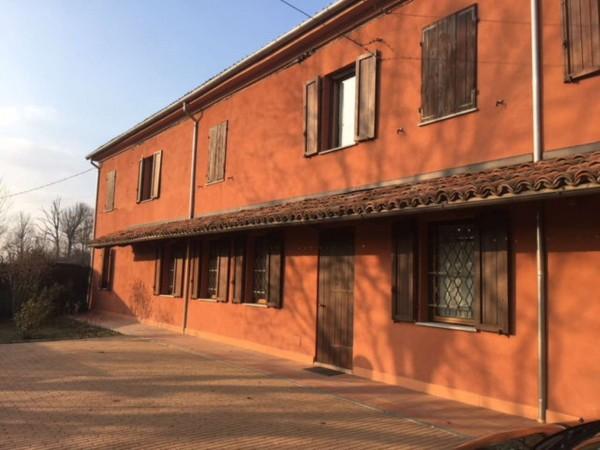 Casa indipendente in vendita a Alessandria, Con giardino, 180 mq