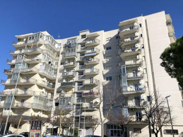 Appartamento in vendita a Lecce, Via Taranto, 110 mq