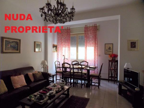 Appartamento in vendita a Milano, Corso Genova, Con giardino, 88 mq