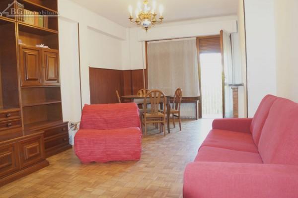 Appartamento in affitto a Perugia, Università, 100 mq