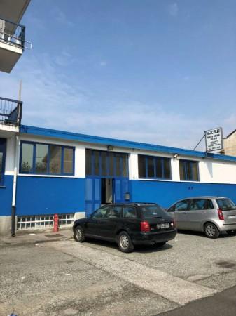 Locale Commerciale  in vendita a Torino, Mirafiori Sud, 780 mq