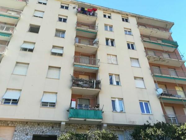 Appartamento in affitto a Recco, Centrale, 60 mq
