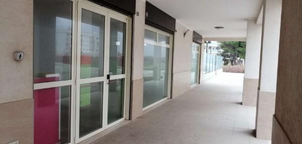 Locale Commerciale  in affitto a Bari, 120 mq