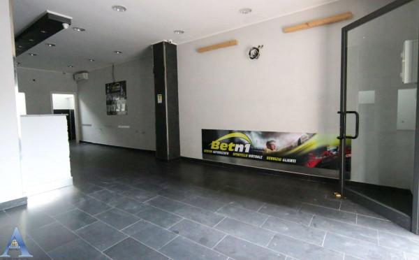 Locale Commerciale  in vendita a Taranto, Tamburi, 61 mq - Foto 11