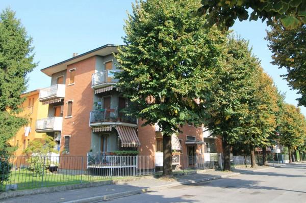 Appartamento in vendita a Cassano d'Adda, Villa Borromeo, Con giardino, 155 mq