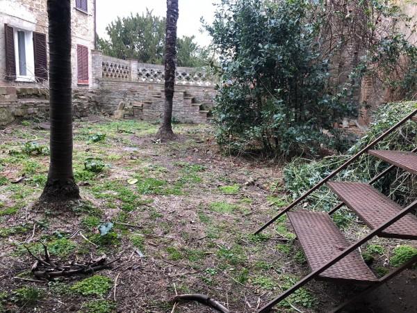 Villa in vendita a Bettona, Centro Bettona, Con giardino, 451 mq