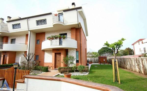 Villa in vendita a Taranto, Con giardino, 179 mq