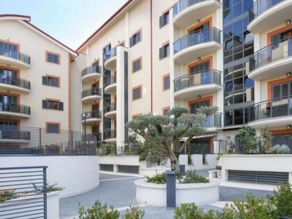Appartamento in vendita a Roma, Axa, Con giardino, 93 mq