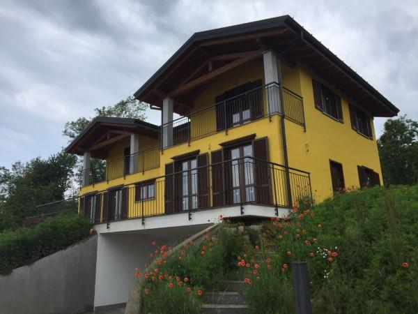 Villa in vendita a Travedona-Monate, Con giardino, 210 mq