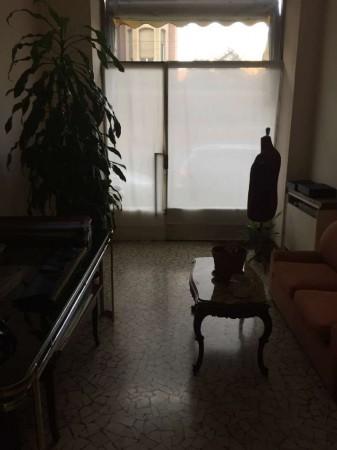 Negozio in affitto a Torino, Via Luigi Cibrario, 60 mq