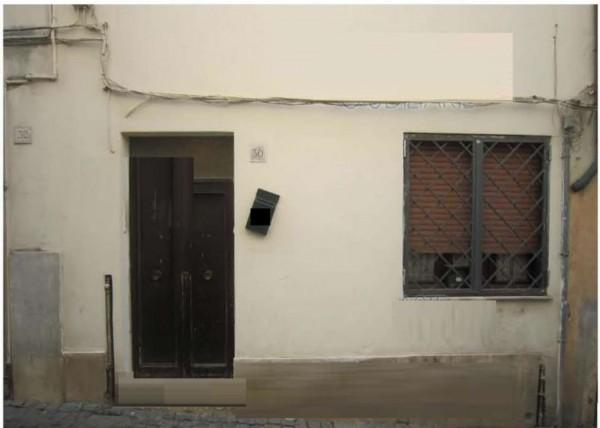 Appartamento in vendita a Velletri, 53 mq
