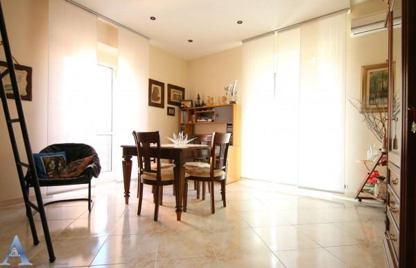 Appartamento in vendita a Taranto, 105 mq