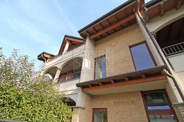 Appartamento in vendita a Vaprio d'Adda, Sud, 117 mq