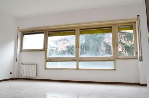 Appartamento in affitto a Roma, Torrino Mostacciano, Con giardino, 70 mq