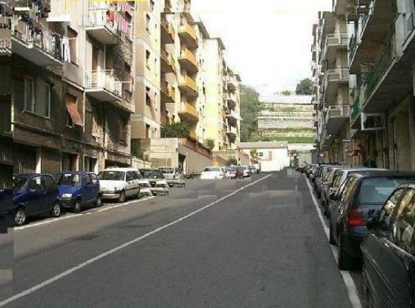 Negozio in vendita a Genova, Prà, 25 mq