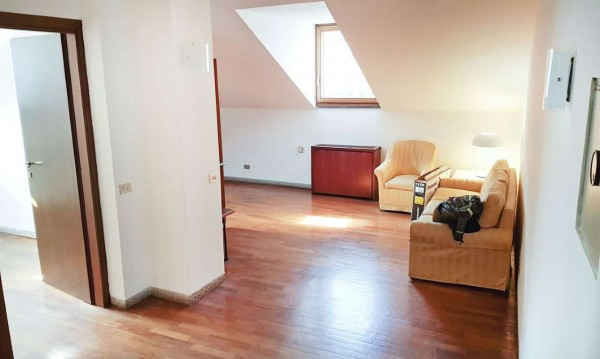Appartamento in affitto a Milano, Duomo, Arredato, 75 mq