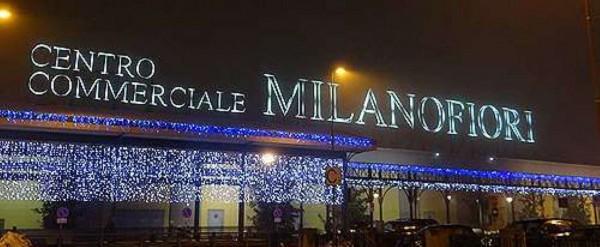 Locale Commerciale  in vendita a Assago, Milanofiori, Arredato, 60 mq