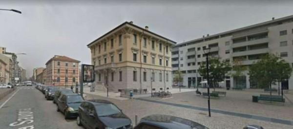 Negozio in affitto a Milano, Via Savona, 53 mq