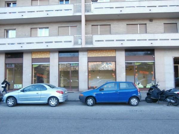 Negozio in vendita a Torino, Santa Rita, 150 mq