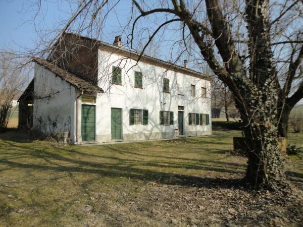 Casa indipendente in vendita a San Salvatore Monferrato, Con giardino, 120 mq