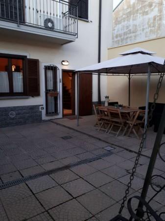 Casa indipendente in affitto a Caronno Pertusella, Centro / Stazione, Arredato, 105 mq - Foto 1