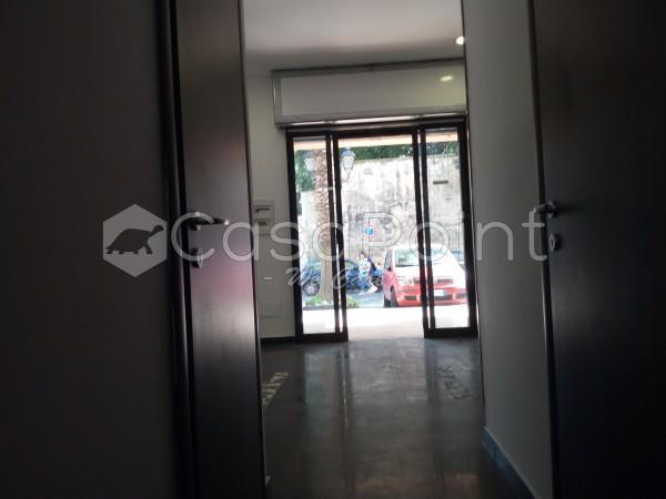 Locale Commerciale  in affitto a Casoria, Centro, 35 mq - Foto 3