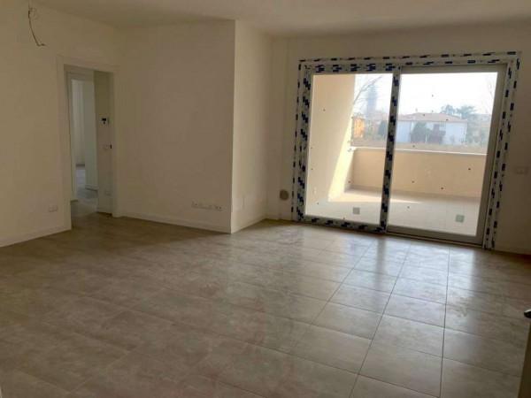 Appartamento in vendita a Sant'Agata Bolognese, Adiacenze Centro, Con giardino, 70 mq