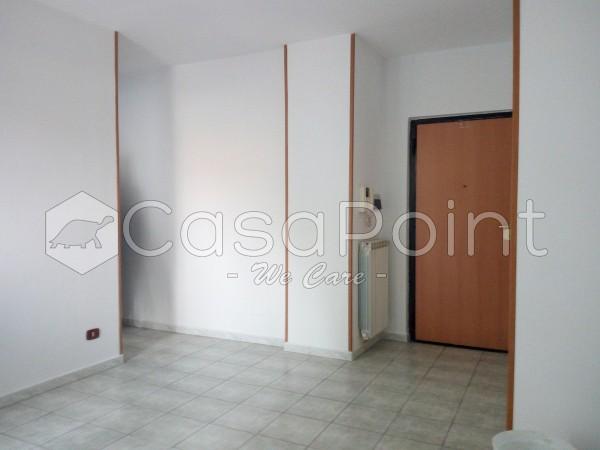 Trilocale in affitto a Casoria, Centro, 85 mq