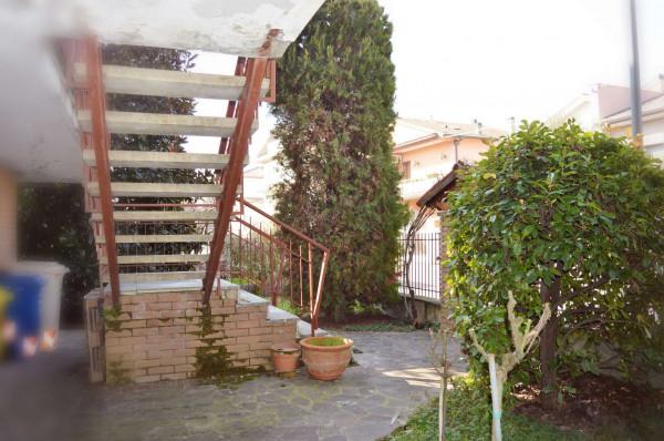 Casa indipendente in vendita a Forlì, Con giardino, 250 mq - Foto 2