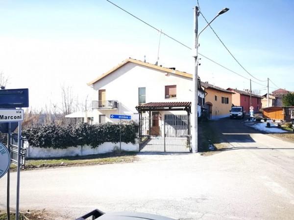 Casa indipendente in vendita a Belveglio, Bricco, Con giardino, 150 mq
